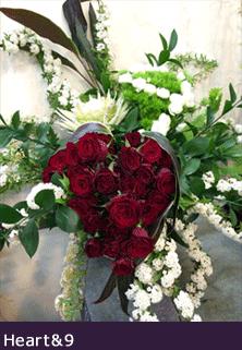 オーダーメイドスタンド花 東京 二子玉川の花屋 公演祝い花 赤バラハート9周年