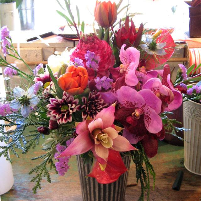 傘寿 米寿祝いの花 88歳 アレンジメント キングプロテア 二子玉川の花屋 ネイティブフラワーイーダ