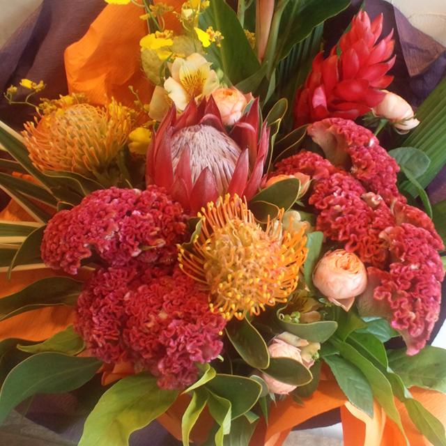 還暦祝いに贈る花 おまかせ花束10,000円 二子玉川の花屋